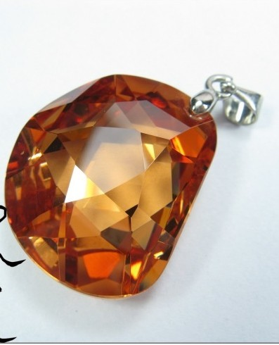 synthetic gems pendant